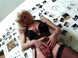 I Am Pierced Cougar Anal Intercourse Outdoors
