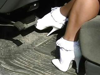 Frilly Socks 055