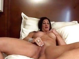 Nude Female Bodybuilder Gropes Her Big Jewel