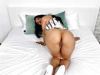 Stunner In Sexy Sundress Kira Queen Is Playing Her Insatiable Punani