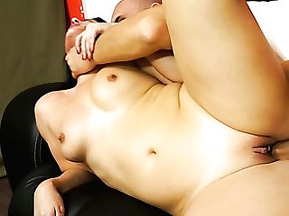 Palatable Dark-haired Hoe Montse Swapper Gets Her Twat Hammered