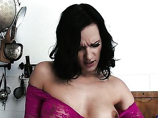 Austrian Big Jugged Mummy Sina Velvet Is So Into Tonguing Tasty Cooter