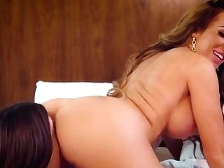 Blonde Cougar Ate By Dyke Stepdaughter