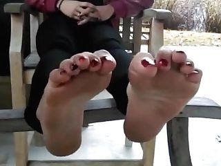 Redbone Feet