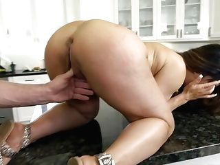 Raven Hart & Charles Dera In Sexy Dirty Cougar - Milfhunter