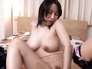 Curvy Japanese Bang-out Doll Yuuna Hoshisaki Pleases Her Fanny With Frigs