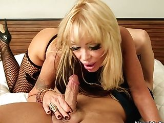 Horny Whorish Chick Houston Loves Pleasing Biker's Pipe