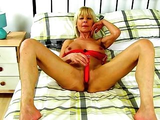 Brit Gilf Elaine Fucktoys Around With Her Faux-cock
