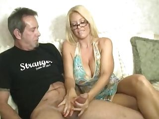 Cougar Turns To Her Old Fashioned Way Of Paying